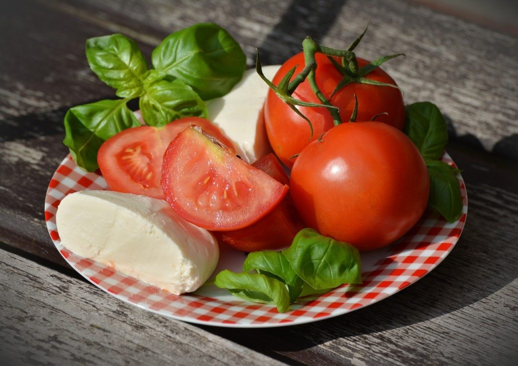間食に適したおすすめチーズの種類は?カロリーが低くて食べやすい!